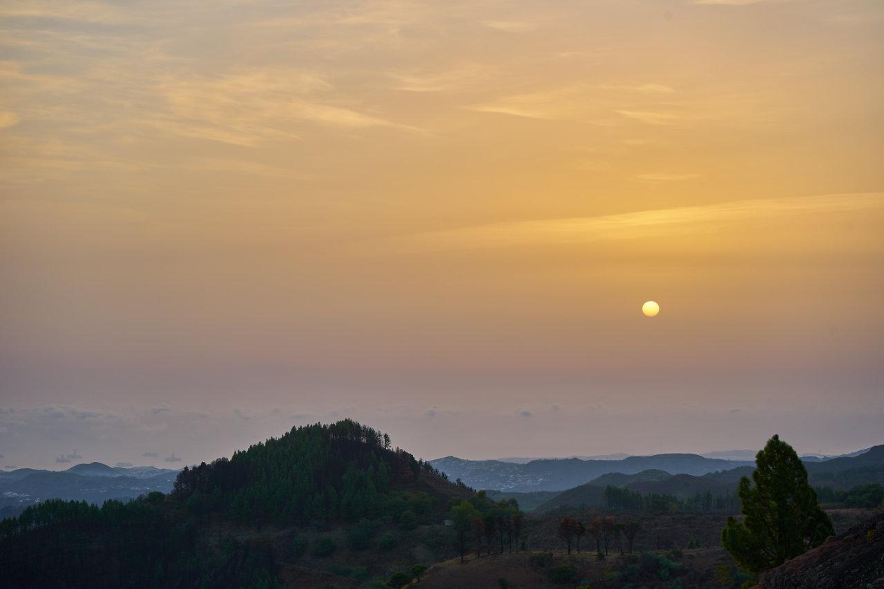 Al alba en la cumbre de Gran Canaria